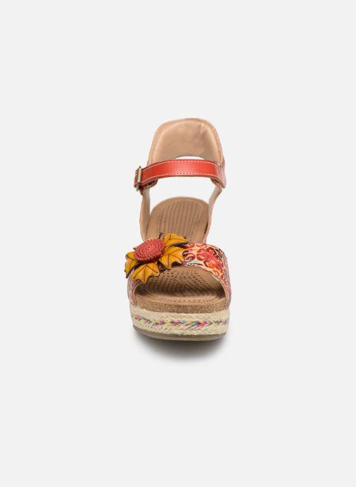 Sandales et nu-pieds Laura Vita FAY 06 Rouge vue portées chaussures