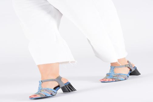 Sandales et nu-pieds Laura Vita FIJI 02 Bleu vue bas / vue portée sac
