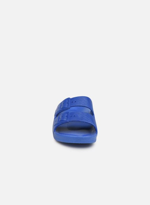 Sandalias MOSES Basic E Azul vista del modelo