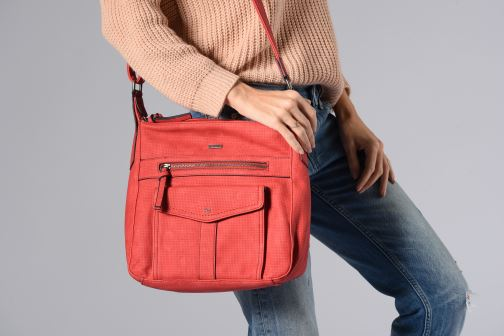 Handbags Tamaris Adrianna Hobo S Red view from underneath / model view