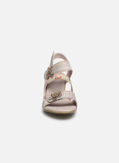 Sandales et nu-pieds Laura Vita Becttinoo  239 Beige vue portées chaussures