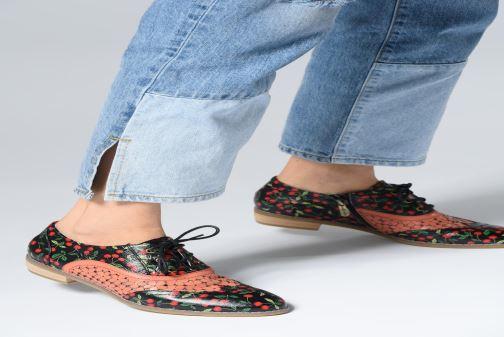 Chaussures à lacets Laura Vita Claudie 10 Blanc vue bas / vue portée sac