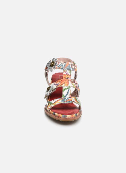 Sandali e scarpe aperte Laura Vita Facbuleuxo 01 Rosso modello indossato
