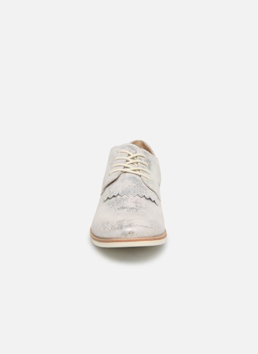 Zapatos con cordones TBS Wallace Plateado vista del modelo