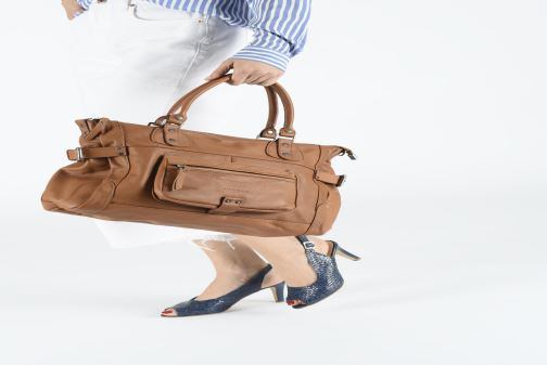 Handbags Sabrina Camille_C Brown view from underneath / model view