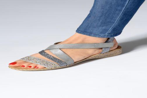 Sandales et nu-pieds Rieker Mirana 61663 Gris vue bas / vue portée sac
