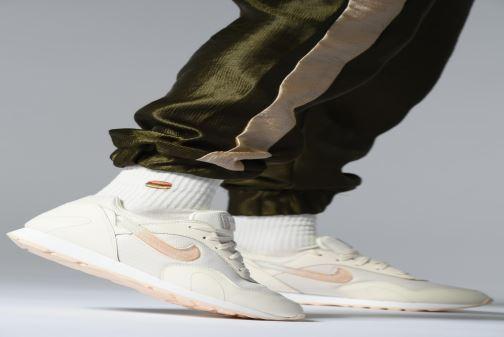 Sneakers Nike W Nike Outburst Prm Rosa immagine dal basso