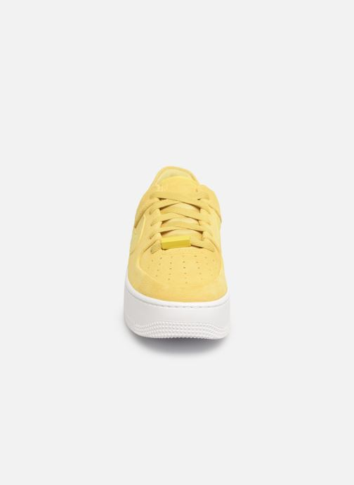 Sneakers Nike W Af1 Sage Low Gul bild av skorna på