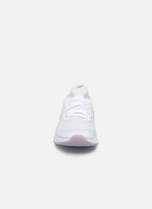 Chaussures de sport Nike W Nike Epic React Flyknit 2 Blanc vue portées chaussures