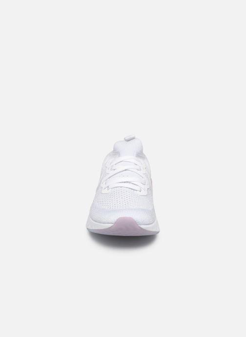 Chaussures de sport Nike W Nike Epic React Flyknit 2 Blanc vue portées chaussures
