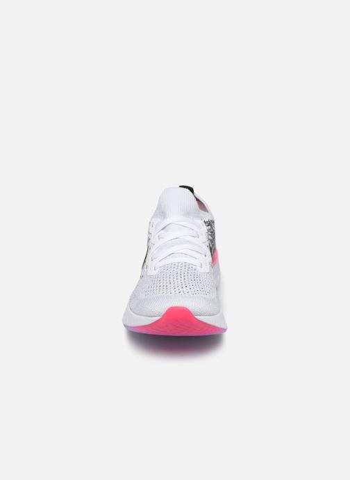 Scarpe sportive Nike W Nike Epic React Flyknit 2 Grigio modello indossato