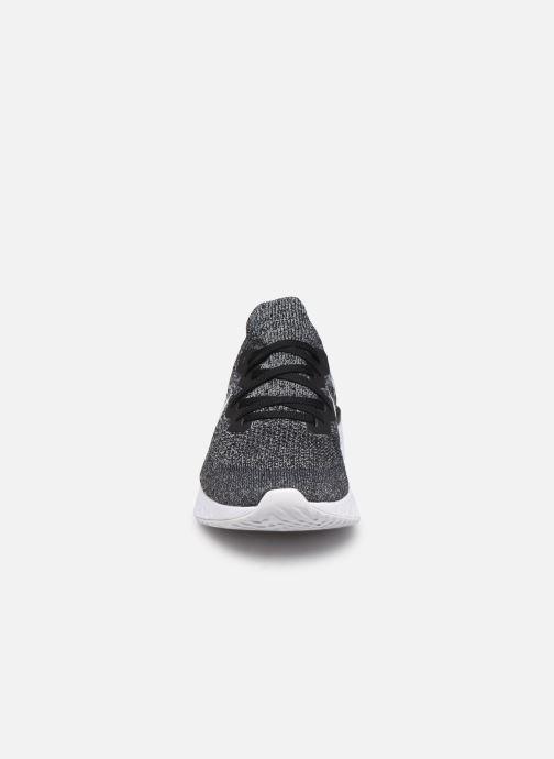 Chaussures de sport Nike Nike Epic React Flyknit 2 Noir vue portées chaussures