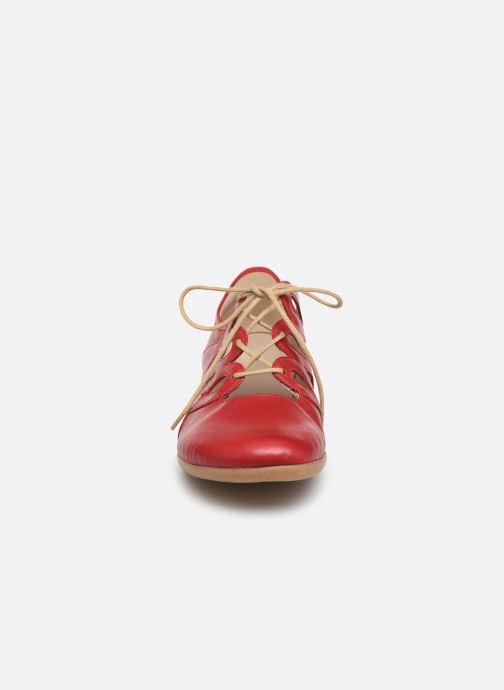 Snörade skor Remonte Naomy R3801 Röd bild av skorna på