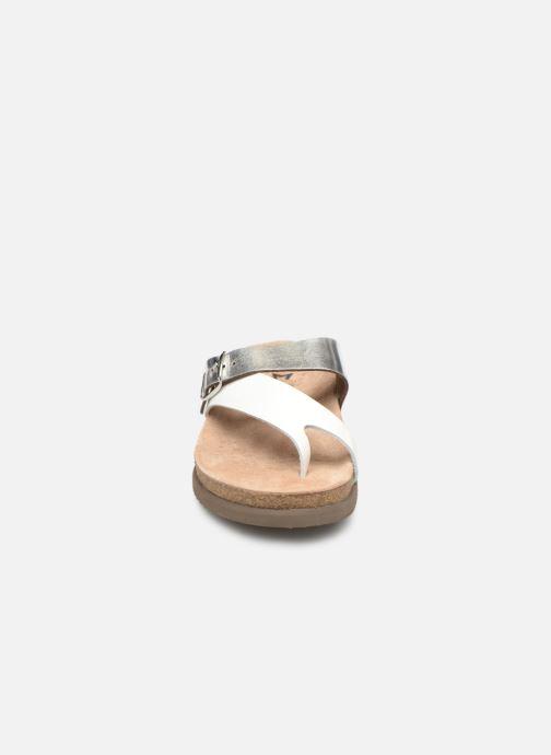 Sandali e scarpe aperte Mephisto Helen Mix Argento modello indossato