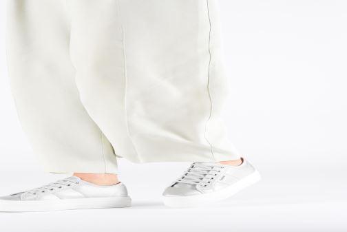 Sneaker Victoria Barcelona Lona Matalizada silber ansicht von unten / tasche getragen