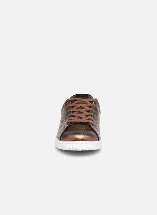 Baskets Victoria Tenis Metalizado Marron vue portées chaussures