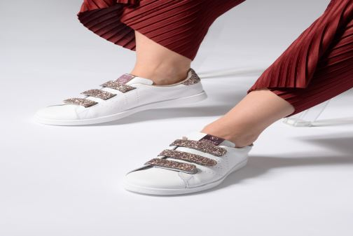 Baskets Victoria Tenis Velcros Glitter Blanc vue bas / vue portée sac
