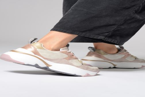 Trainers Victoria Aire Malla Engomado Beige view from underneath / model view