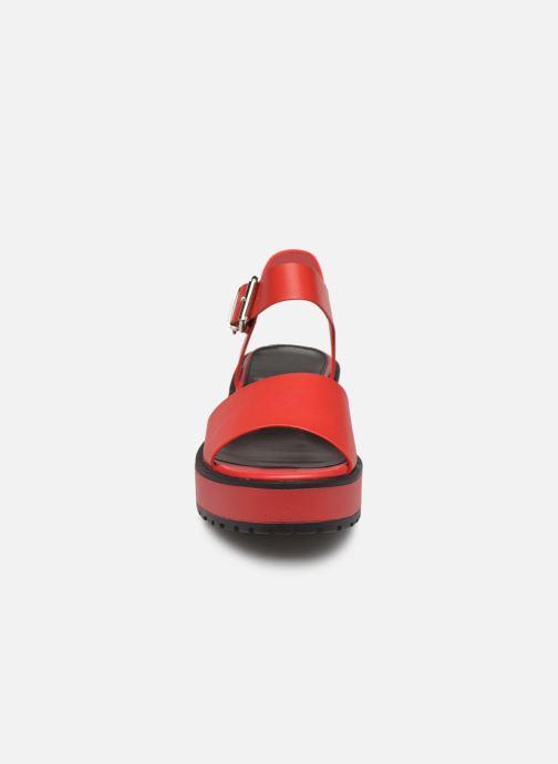 Sandali e scarpe aperte MTNG 50684 Rosso modello indossato