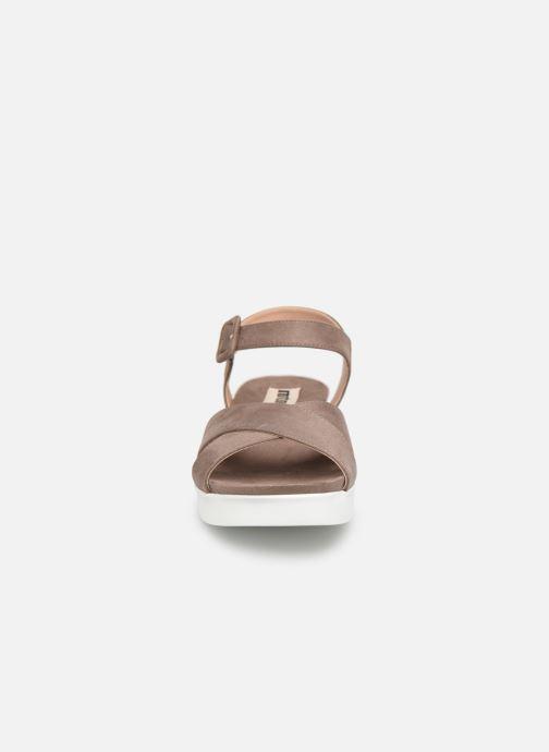 Sandalen MTNG 51086 braun schuhe getragen