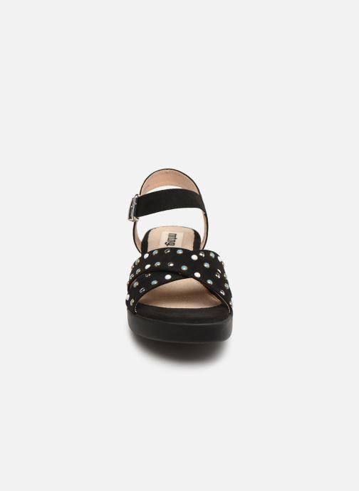 Sandales et nu-pieds MTNG 57940 Noir vue portées chaussures