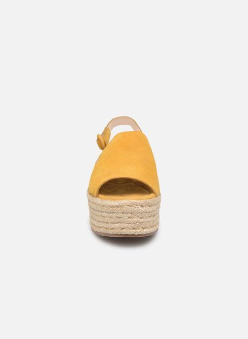 Espadrilles MTNG 58201 Jaune vue portées chaussures