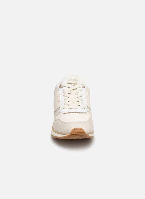Baskets MTNG 69486 Blanc vue portées chaussures