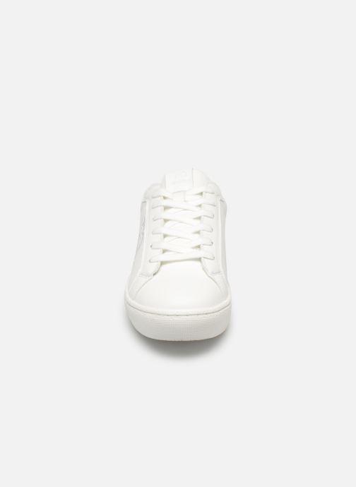 Baskets MTNG 69554 Blanc vue portées chaussures