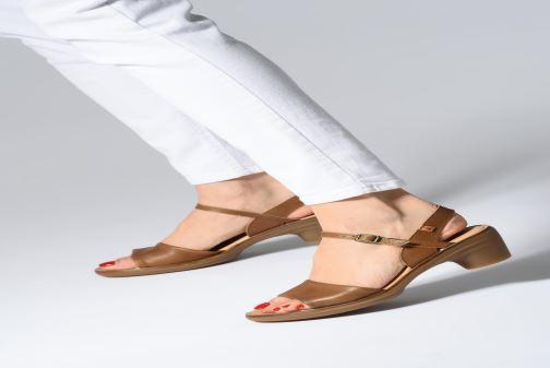 Sandales et nu-pieds El Naturalista Vaquetilla N5350 Marron vue bas / vue portée sac