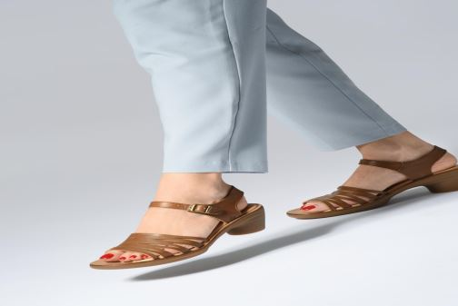 Sandales et nu-pieds El Naturalista Vaquetilla N5352 Marron vue bas / vue portée sac