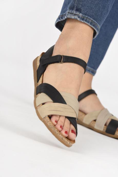 Sandales et nu-pieds El Naturalista Zumaia N5242 Noir vue bas / vue portée sac