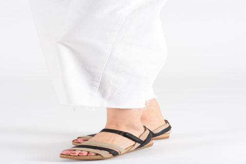 Sandales et nu-pieds El Naturalista Zumaia N5244 Bleu vue bas / vue portée sac
