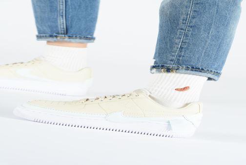 Baskets Nike W Af1 Jester Xx Beige vue bas / vue portée sac