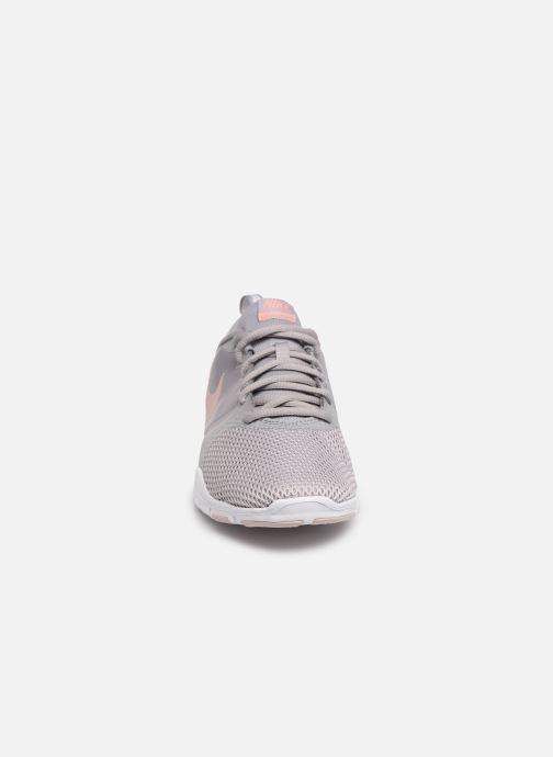 Chaussures de sport Nike Wmns Nike Flex Essential Tr Gris vue portées chaussures