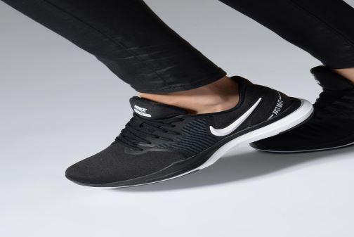 Sport shoes Nike W Nike In-Season Tr 8 Black view from underneath / model view