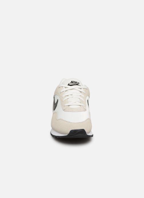 Deportivas Nike W Nike Outburst Blanco vista del modelo