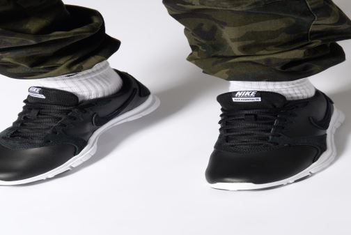 Sportschoenen Nike Wmns Nike Flex Essential Tr Lt Zwart onder