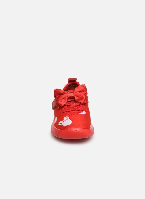 Deportivas Clarks Ath Bow x Minnie Rojo vista del modelo