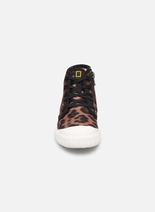 Sneakers Clarks Cyrus Geo Marrone modello indossato