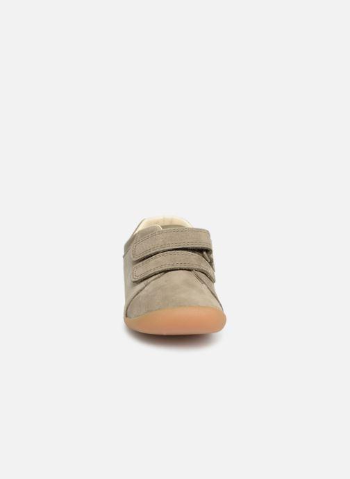 Baskets Clarks Roamer Craft Vert vue portées chaussures