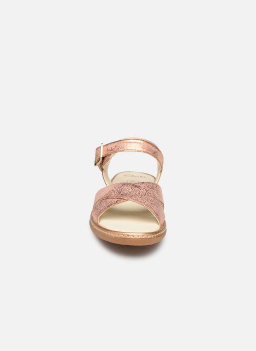 Sandales et nu-pieds Clarks Skylark Pure K Or et bronze vue portées chaussures