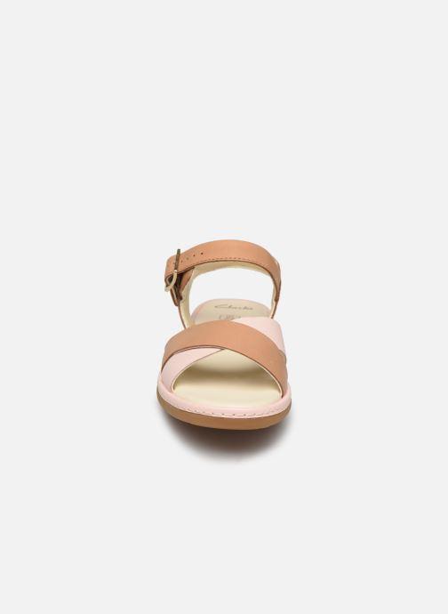 Sandalen Clarks Skylark Pure K beige schuhe getragen