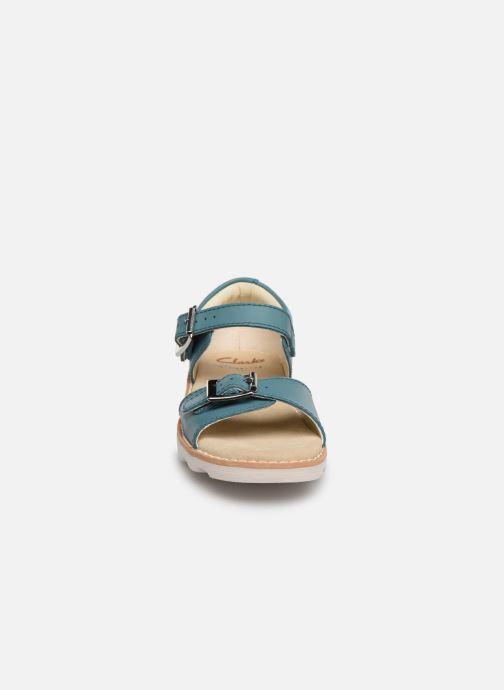 Sandales et nu-pieds Clarks Crown Bloom T Bleu vue portées chaussures