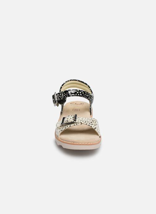 Sandales et nu-pieds Clarks Crown Bloom K Noir vue portées chaussures