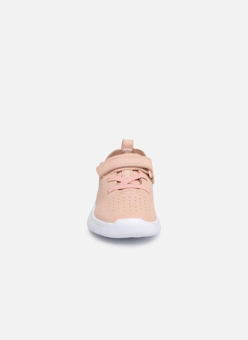 Baskets Clarks Ath Elite Rose vue portées chaussures