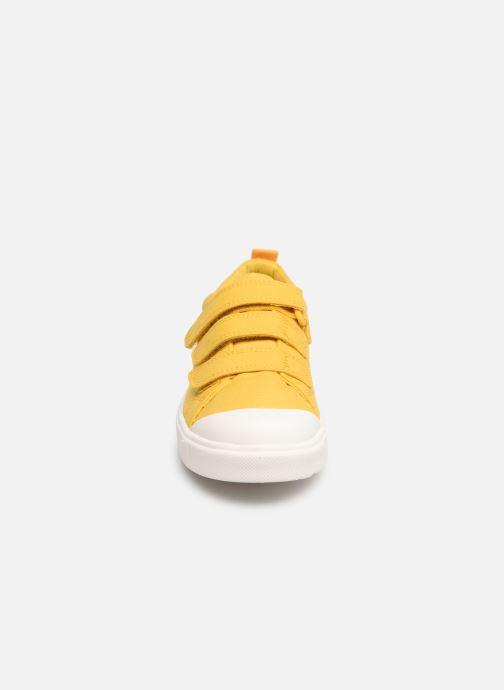 Sneakers Clarks City FlareLo K Gul bild av skorna på