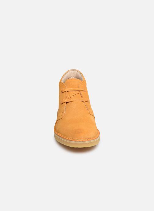 Chaussures à lacets Clarks Desert Boot... Marron vue portées chaussures