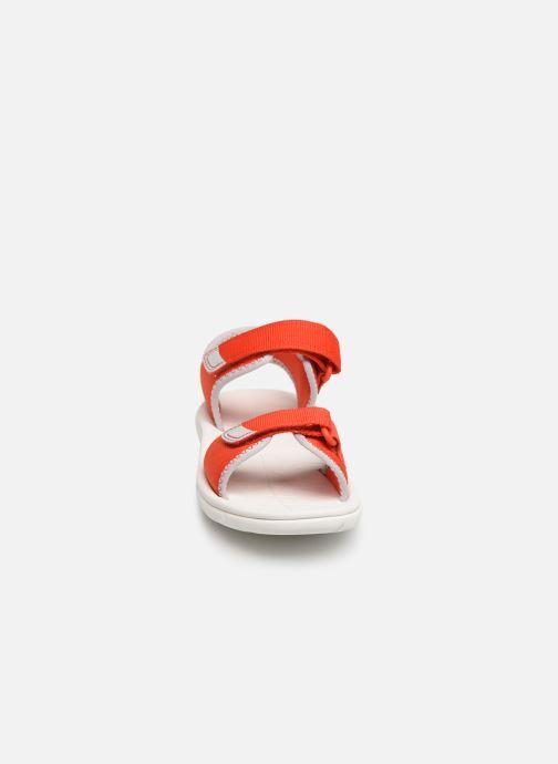 Sandales et nu-pieds Clarks Surfing Tide Orange vue portées chaussures