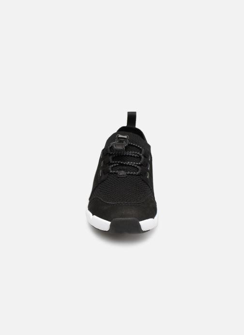 Baskets Clarks Tri Swift Noir vue portées chaussures