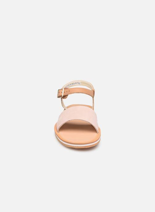 Sandales et nu-pieds Clarks Skylark Pure Rose vue portées chaussures
